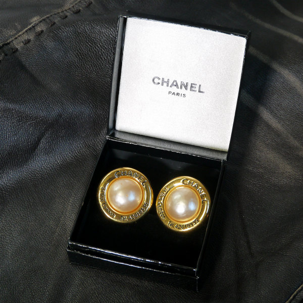 7d42f5d83978 OLD CHANEL イヤリング(大 パール) | Vintage Shop Rococo